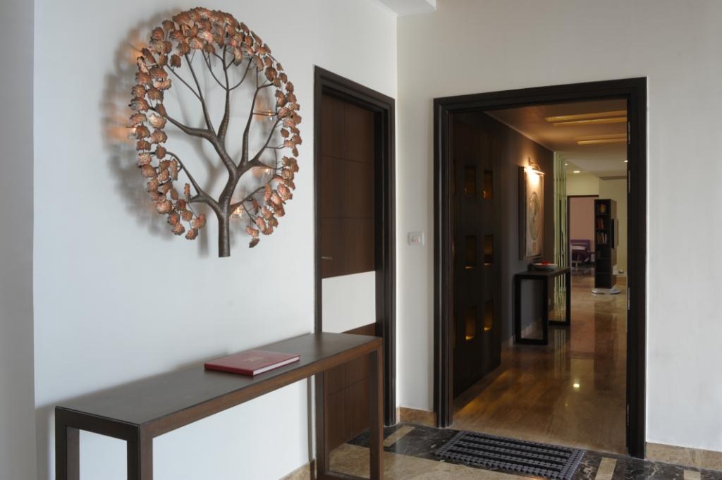 Foyer Area : Tulsiani golf view apartments